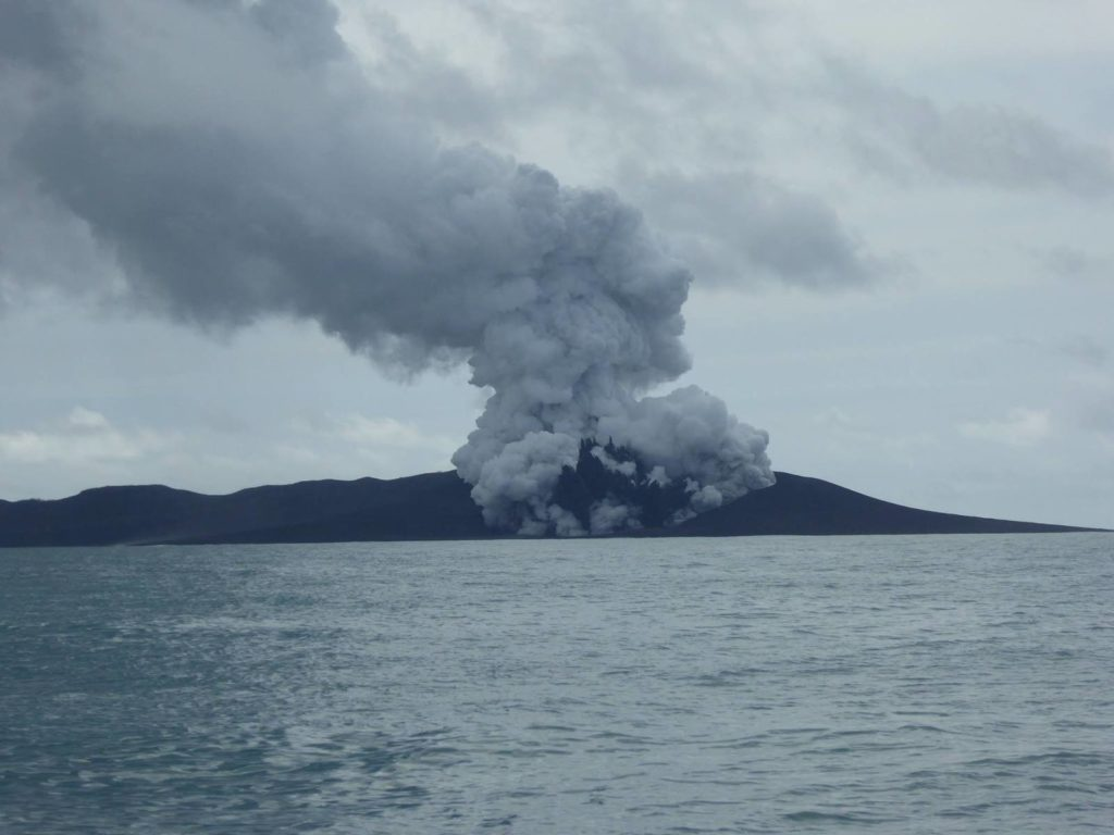 hunga-tonga-eruption-1
